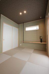 ナチュラルな雰囲気のリビングにも自然に溶け込んだ和室スペース。