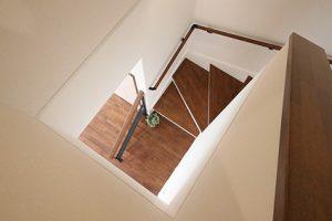 リビング階段で、吹抜になっているような開放感のある空間に