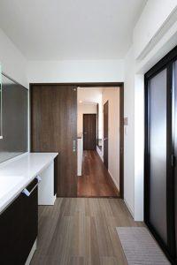 2階に浴室など水回りを配置
